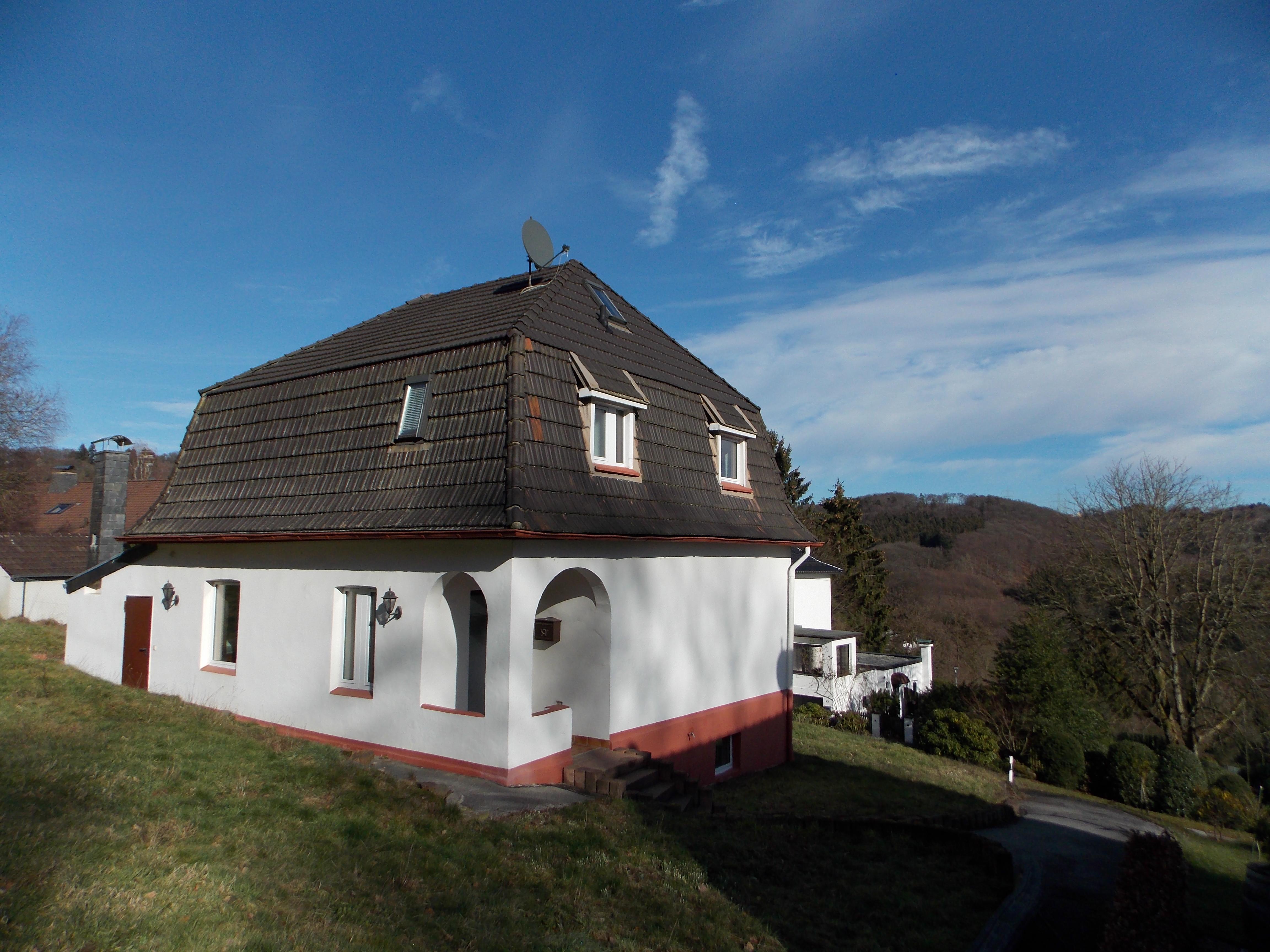 Traumgrundstück mit freistehendem Einfamilienhaus in sehr begehrter Lage der Solinger Südstadt